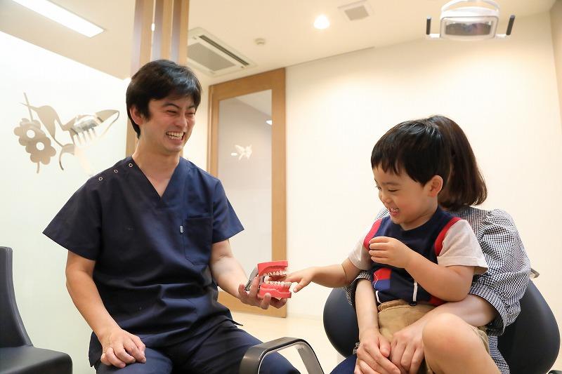 歯医者には何歳から通う?